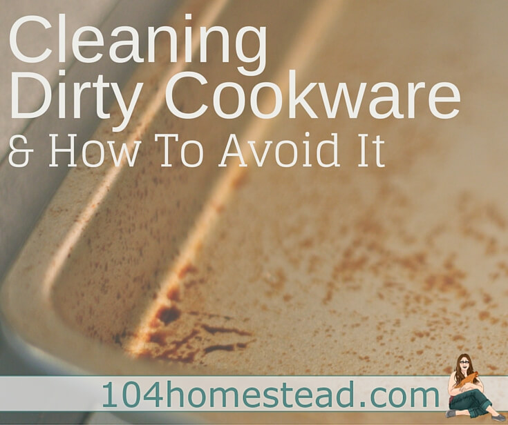 Clean pans that have been stained with cooking spray naturally and discover how to avoid getting stains again with homemade cooking spray.