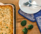 A Delicious Broccoli Rice & Cheese Casserole [Quick and Easy]